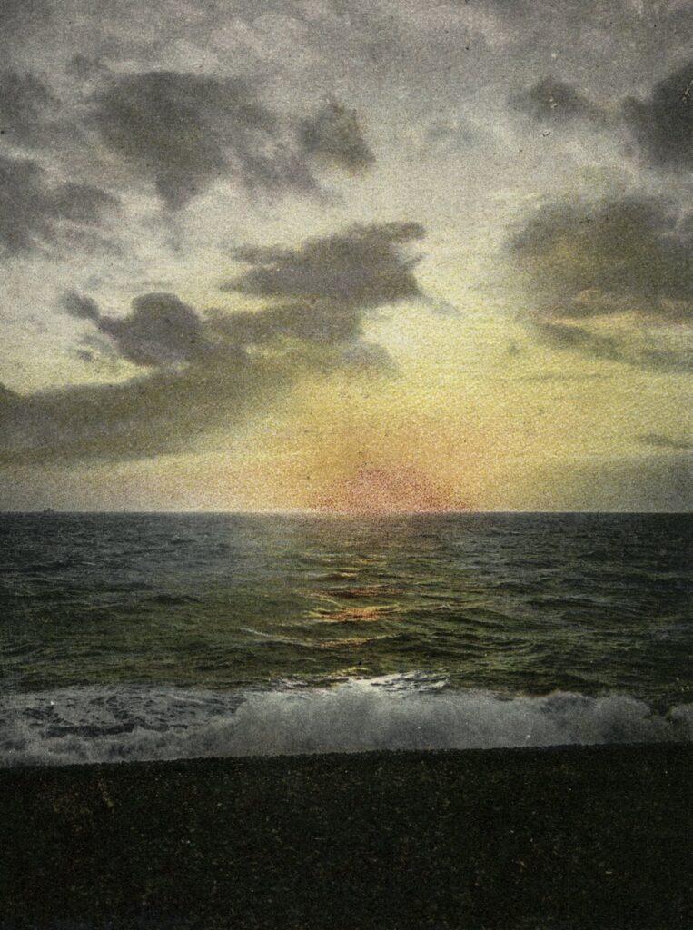 ELGER ESSER '29b Soleil Couchant' 2005, C-Print, Diasec Face, Forex, 205 x 154 x 4 cm, Ed. of 5