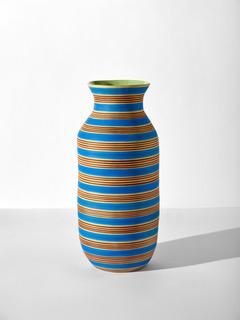 SIMONE FENNEL 'Dora' 2021, Keramik, Steinzeugton beige, Handaufbau, 61 x 43.5 cm