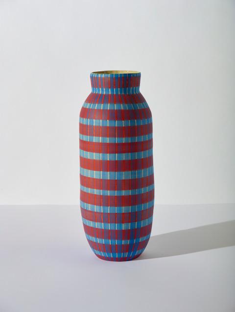 SIMONE FENNEL 'Irma', 2021, Keramik, Steinzeugton beige, Handaufbau, 57 x 46.5 cm